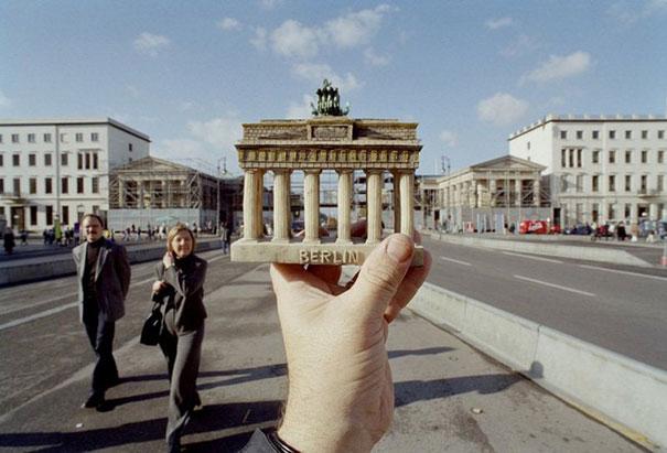 souvenir-optical-illusions-michael-hughes-27