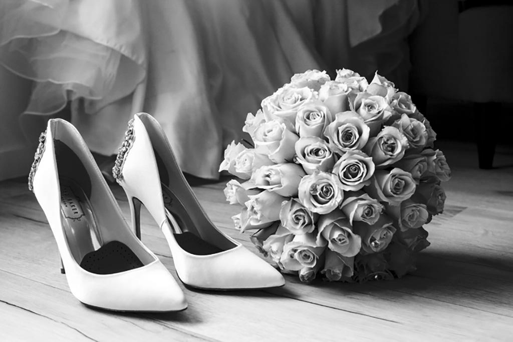 wedding show heels and flowers