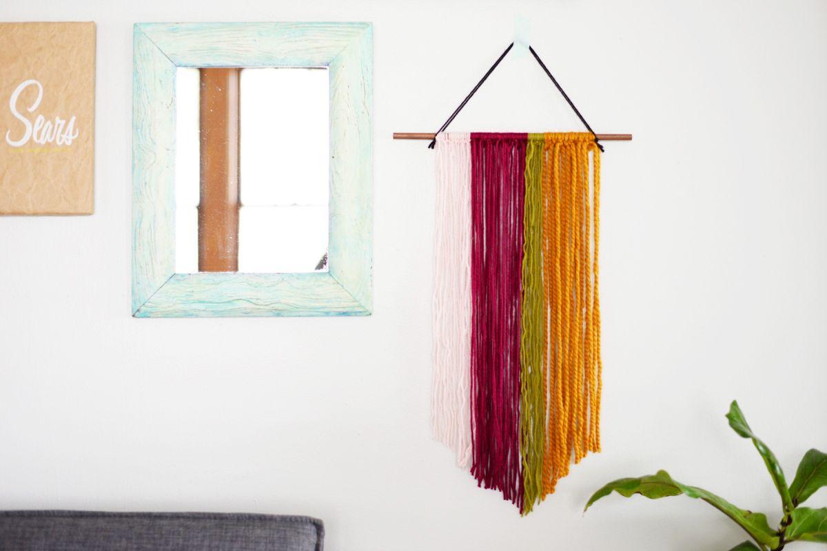 easy DIY wall decor ideas - yarn hanging