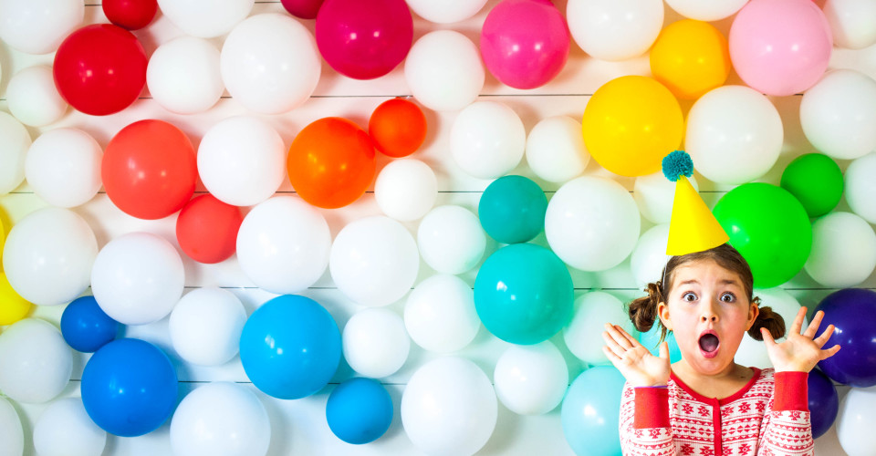 7 Fun DIY Photo Booth Ideas for Your Party - Photojaanic Blog