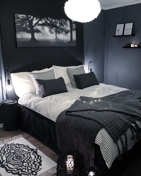 Black & White Decor Theme