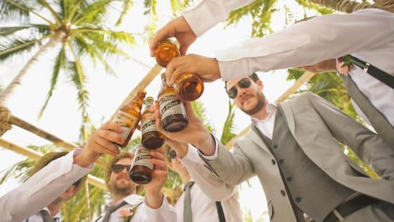 groomsmen wedding photography poses