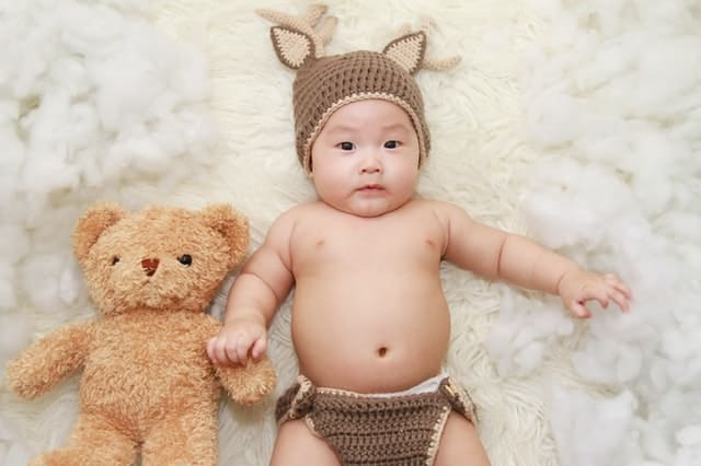 Baby clothing pieces